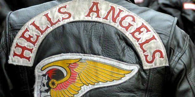 Un membre présumé des Hells Angels atteint d'un projectile d'arme à