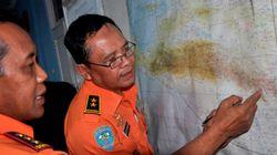 Écrasement en Indonésie: les secouristes sur la
