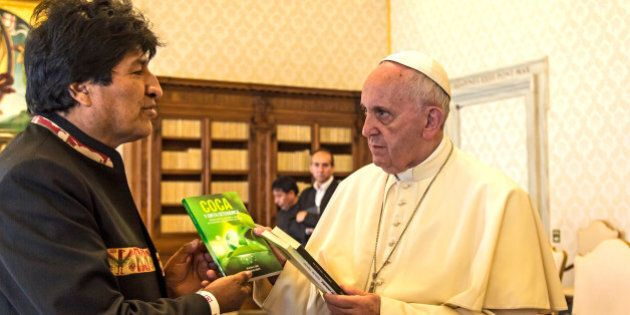 VATICAN CITY, VATICAN - APRIL 15: Pope Francis exchanges gifts with the President of Bolivia, Juan Evo...