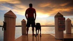Il emmène son chien atteint d'un cancer dans un dernier