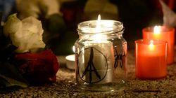 Un mois après les attentats, Paris se recueille