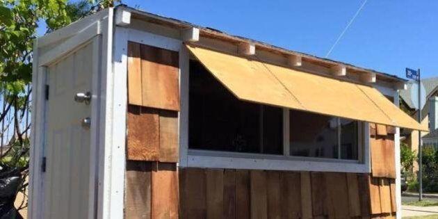 Un Américain construit une mini-maison pour une femme sans-abri à Los