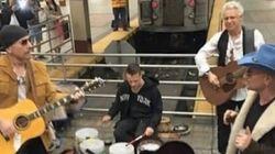 U2 fait un concert surprise dans le métro de New York