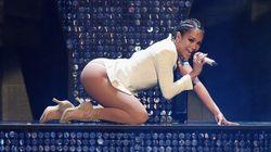 Jennifer Lopez nous rappelle qu'elle n'a rien à envier à Kim Kardashian