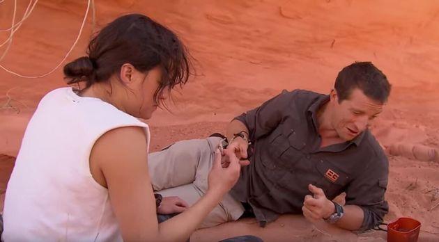 Michelle Rodriguez boit son urine pour une émission de survie