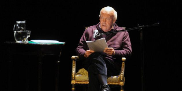 Uruguayan writer Eduardo Galeano reads from his new book 'Los hijos de los dias' (The sons of the days)...