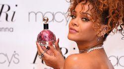 Rihanna seins nus pour la campagne de son nouveau parfum