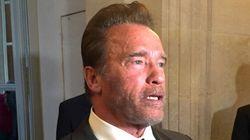 Schwarzenegger dit «je t'aime» à Paris devant le