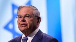 Γερουσιαστής Μενέντεζ: Η Ελλάδα στέκει ξανά στα πόδια της,