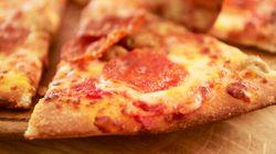 Une Terre Neuvienne appelle le 911 parce que sa pizza n'a pas assez de