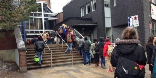 Grève étudiante: vote annulé au Cégep du Vieux