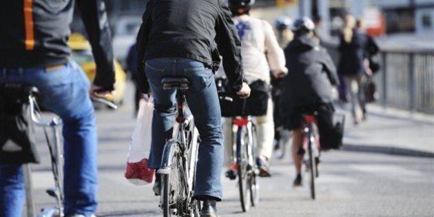 Casque à vélo : Québec penche pour la
