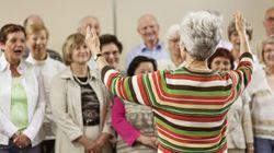 Le chant choral serait bénéfique pour les aînés, selon une