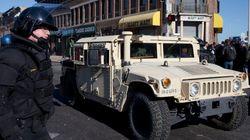 Baltimore: les policiers font respecter le couvre-feu pour un retour au