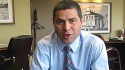 Le salaire d'Alain Rayes, maire et candidat conservateur, sème la