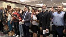 Ces nouveaux citoyens prêtent serment à la reine... et à Trudeau!