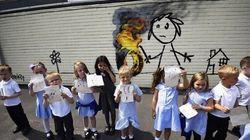 Des élèves britanniques découvrent une oeuvre de Banksy sur un mur de leur