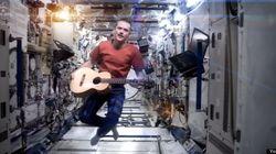 La fois où Chris Hadfield a repris «Space Oddity» dans