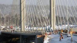 Un pont se brise et coupe le Canada en