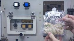 Comment cuisiner un plat de l'Action de grâce dans l'espace