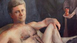 Le controversé portrait d'Harper nu est de nouveau en