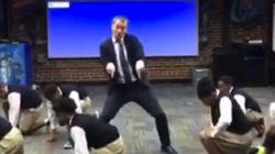 Ce prof de maths danse mieux que ses élèves