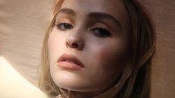 Lily-Rose Depp fait ses premiers pas comme