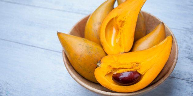 Closeup Eggfruit in wooden