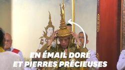 Les images du couronnement majestueux du roi de