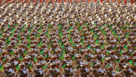 Οι Φρουροί της Επανάστασης και τα Στενά του