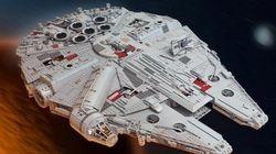 En Lego, il construit une réplique du Faucon Millenium