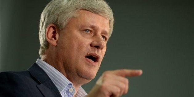 Un maire ontarien compare les mesures de sécurité de Harper à celles de
