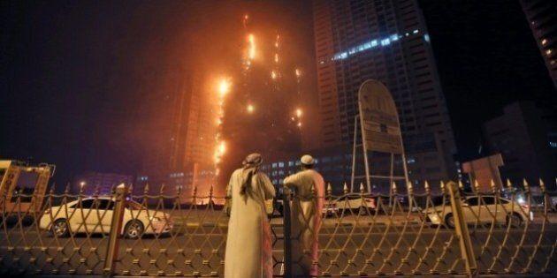 Emirats arabes unis: spectaculaire incendie dans des tours