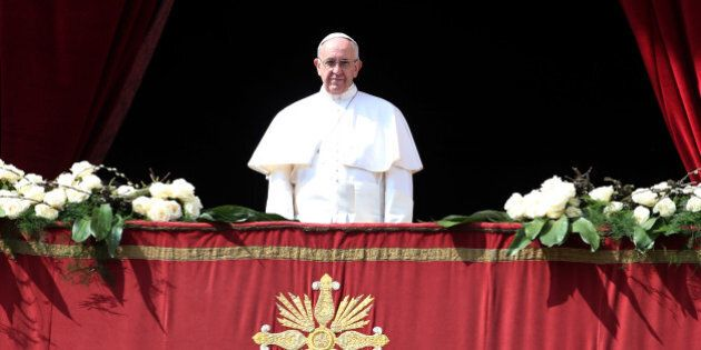 VATICAN CITY, VATICAN - MARCH 27: Pope Francis delivers his traditional 'Urbi et Orbi' Blessing - to...