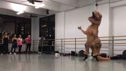 Ce T-Rex pourrait danser à Broadway