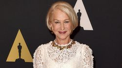 Hellen Mirren magnifique toute de blanc vêtue lors sur le tapis rouge des Governors Awards