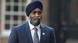 Le ministre de la Défense en Afrique avant l'envoi de Casques