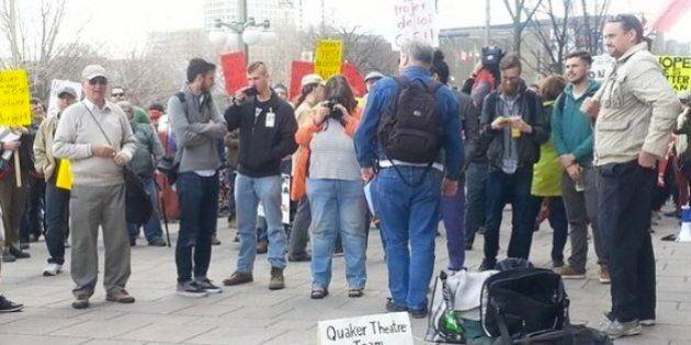 Manifestation à Ottawa contre le projet de loi