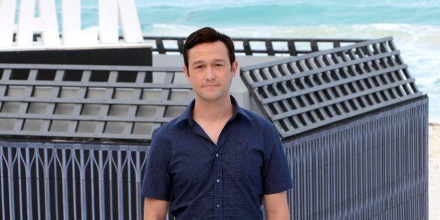 CANCUN, MEXICO - JUNE 15: Actor Joseph Gordon-Levitt attends the 'The Walk' photo call during Summer...