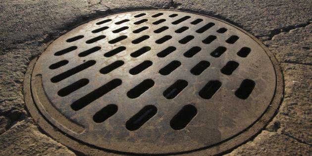 Le plan de déversement des eaux usées de Montréal doit être amélioré, jugent les
