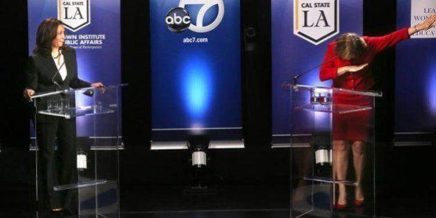 La politicienne américaine Loretta Sanchez «dab» lors d'un