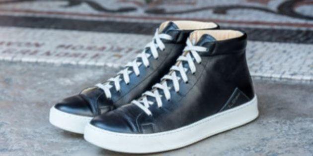 Pour éviter la colle chimique, ces chaussures ont été assemblées avec des