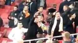Saludo nazi e insultos racistas de estos aficionados del Valencia a los del