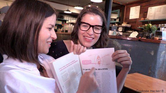 Ton petit look: les jumelles Carolane et Josiane Stratis lancent le guide «Pour une vie adulte (genre)...