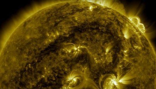 Le Soleil vu de 10 façons différentes et