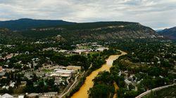 Un déversement change complètement la couleur de la rivière Animas
