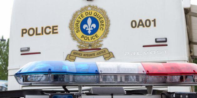 Un homme meurt dans une collision après avoir fui une auto-patrouille de la