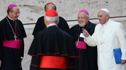 Le synode sur la famille remet son rapport au
