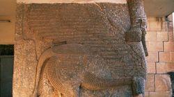 L'État islamique détruit des ruines assyriennes de