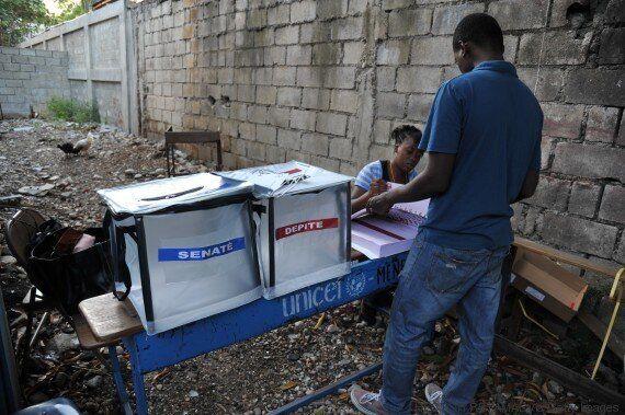 Les Haïtiens aux urnes: incidents parfois violents, le conseil électoral globalement